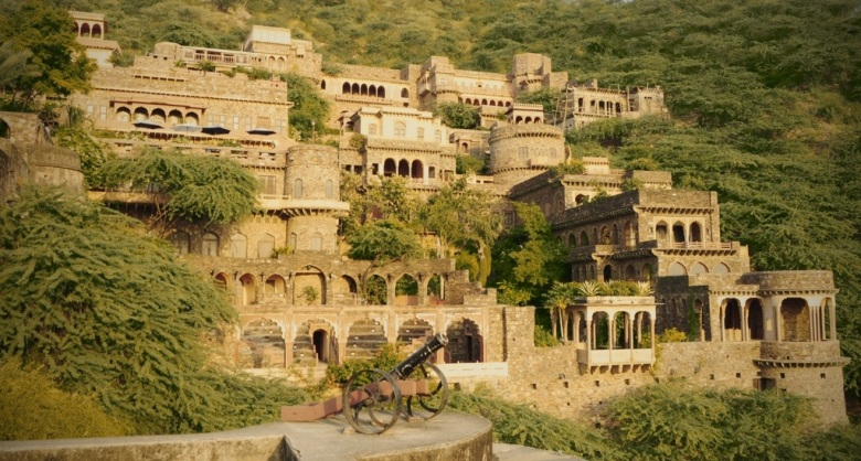 Bhangarh-Fort-Rajasthan.jpg