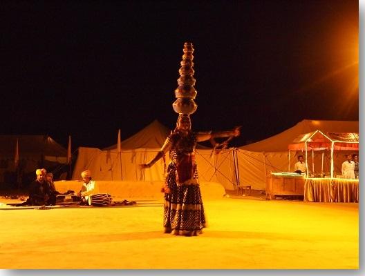 Royal-Desert-Camp-musical-program